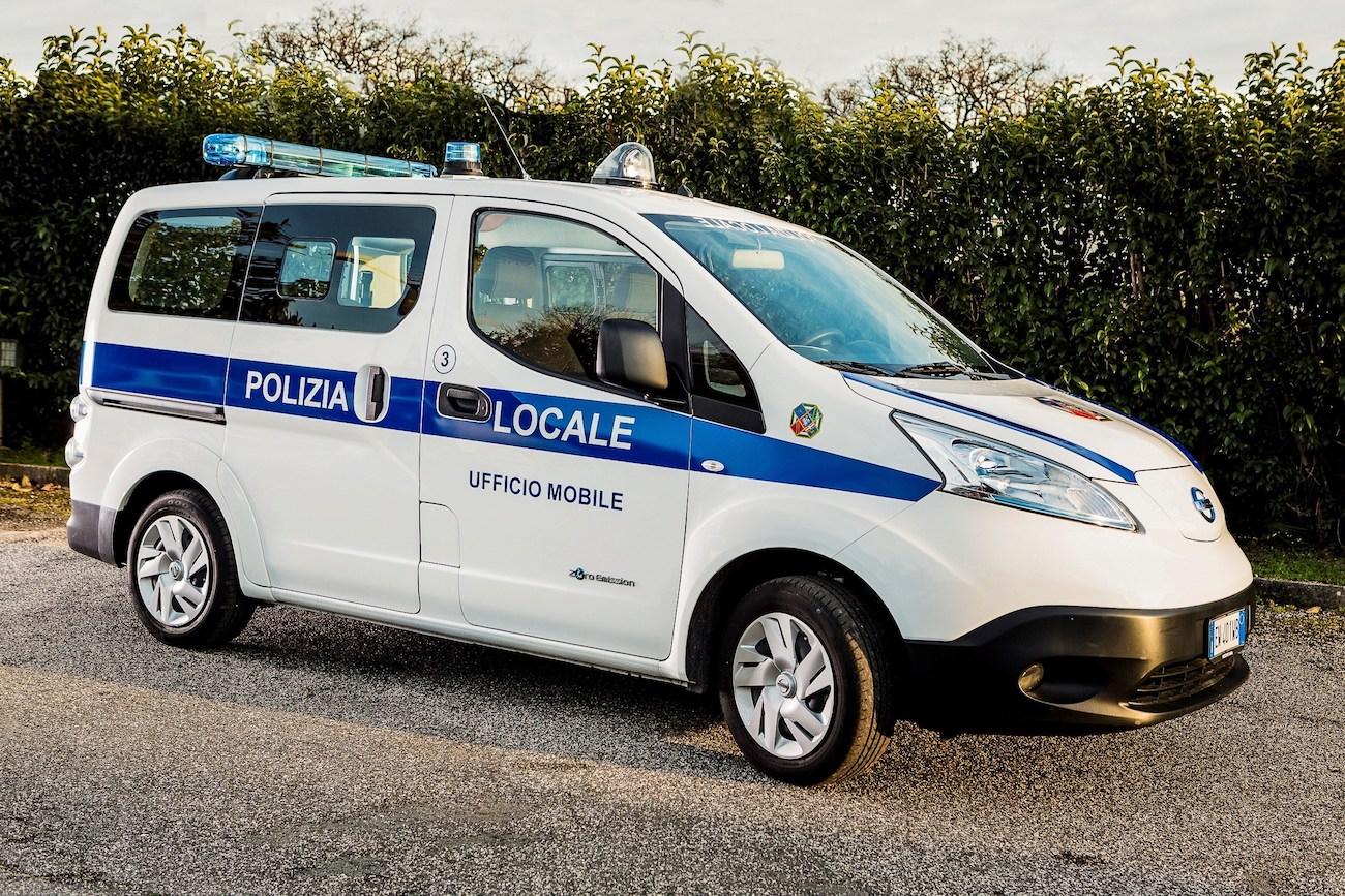 Nissan équipe la police italienne de véhicules 100% électriques !